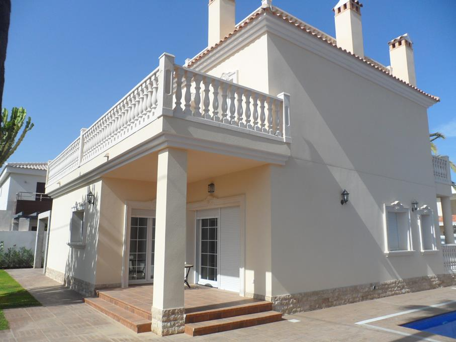 For rent  in Cabo Roig